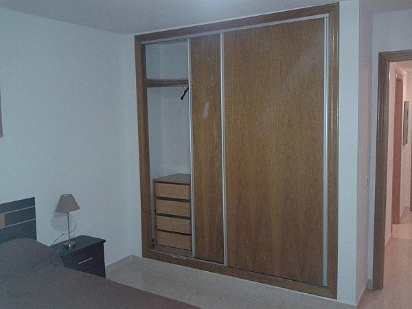 Dormitorio - Piso en alquiler en Roche - 275844550