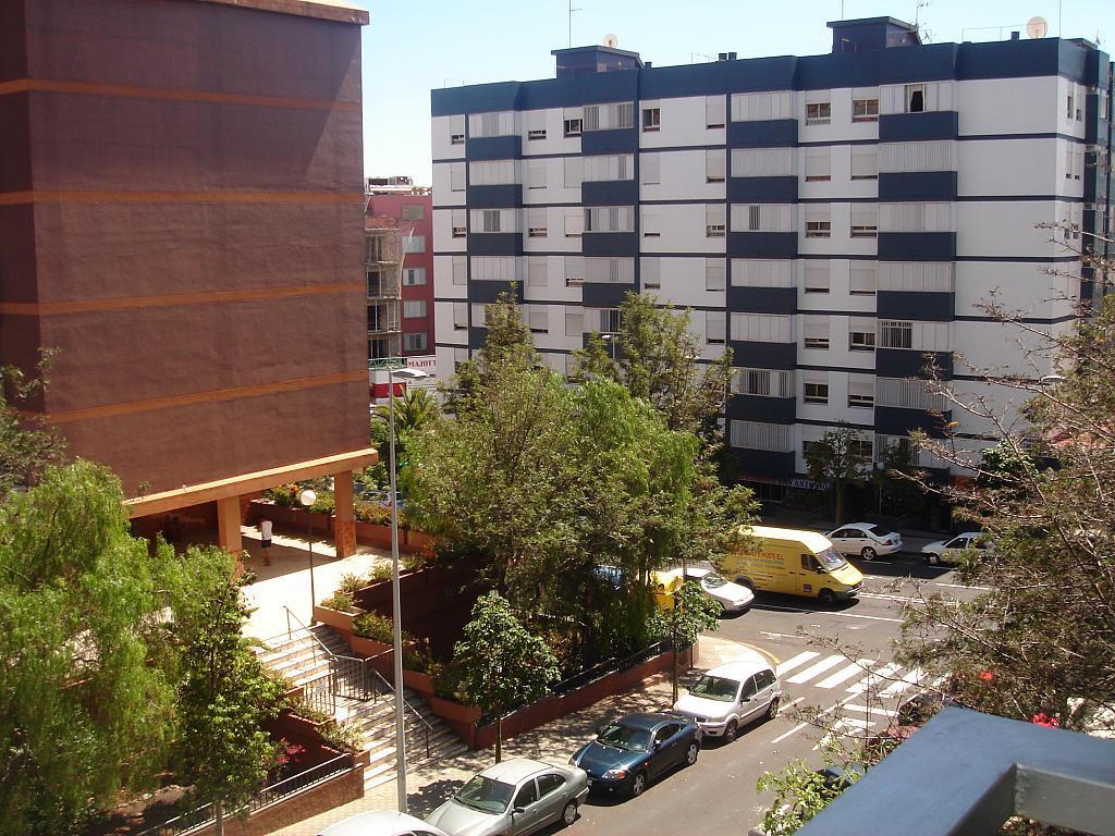 Piso en alquiler en calle Los Corales, Zona Centro en Santa Cruz de Tenerife - 379491705