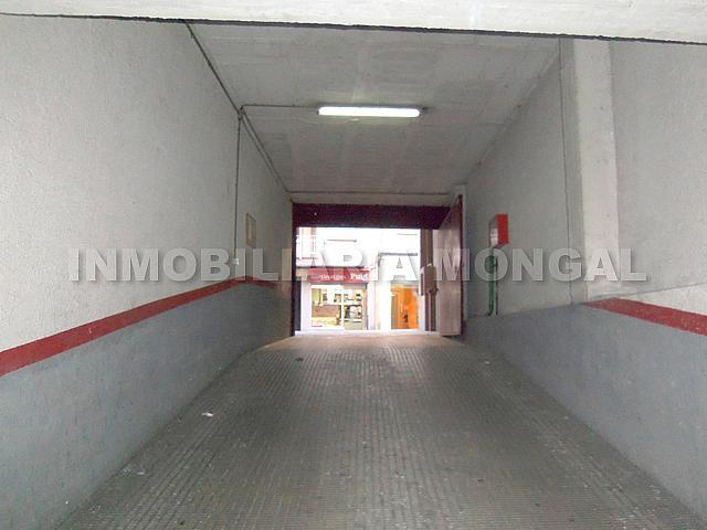 Parking en alquiler en calle Montmany, Centre en Sant Boi de Llobregat - 257391617