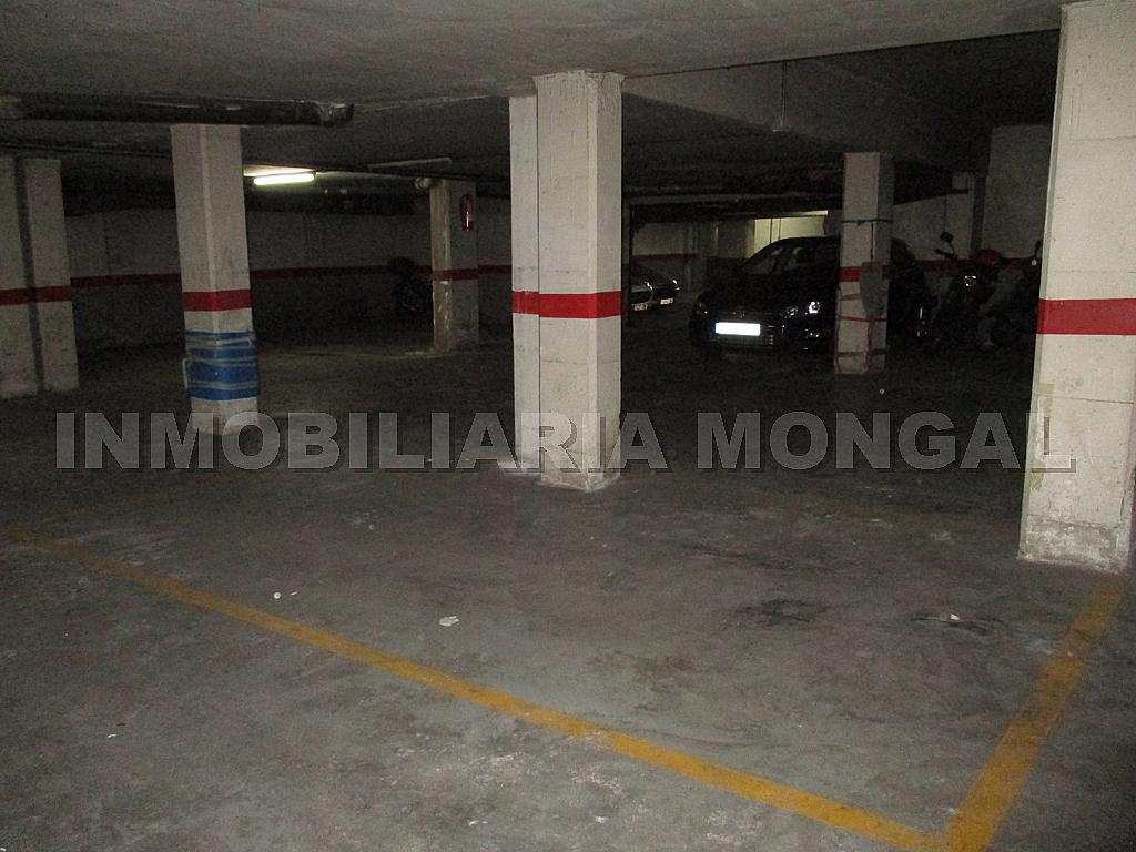 Parking en alquiler en calle Eusebi Güell, Centre en Sant Boi de Llobregat - 328501192