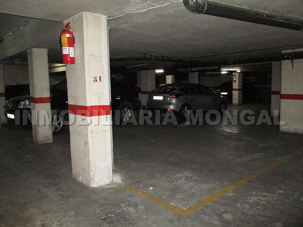 Parking en alquiler en calle Eusebi Güell, Centre en Sant Boi de Llobregat - 328501194