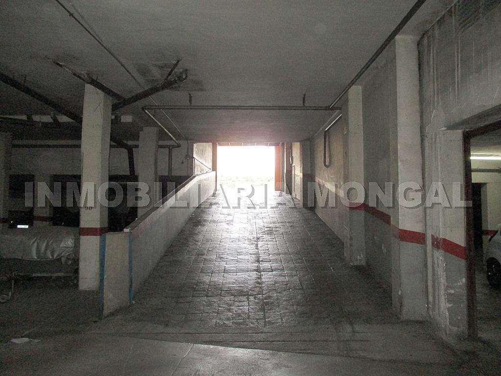 Parking en alquiler en calle Eusebi Güell, Centre en Sant Boi de Llobregat - 328501200