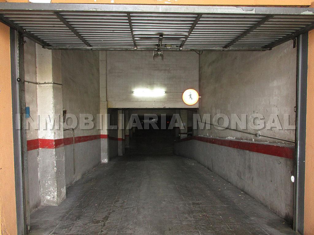 Parking en alquiler en calle Eusebi Güell, Centre en Sant Boi de Llobregat - 328501203