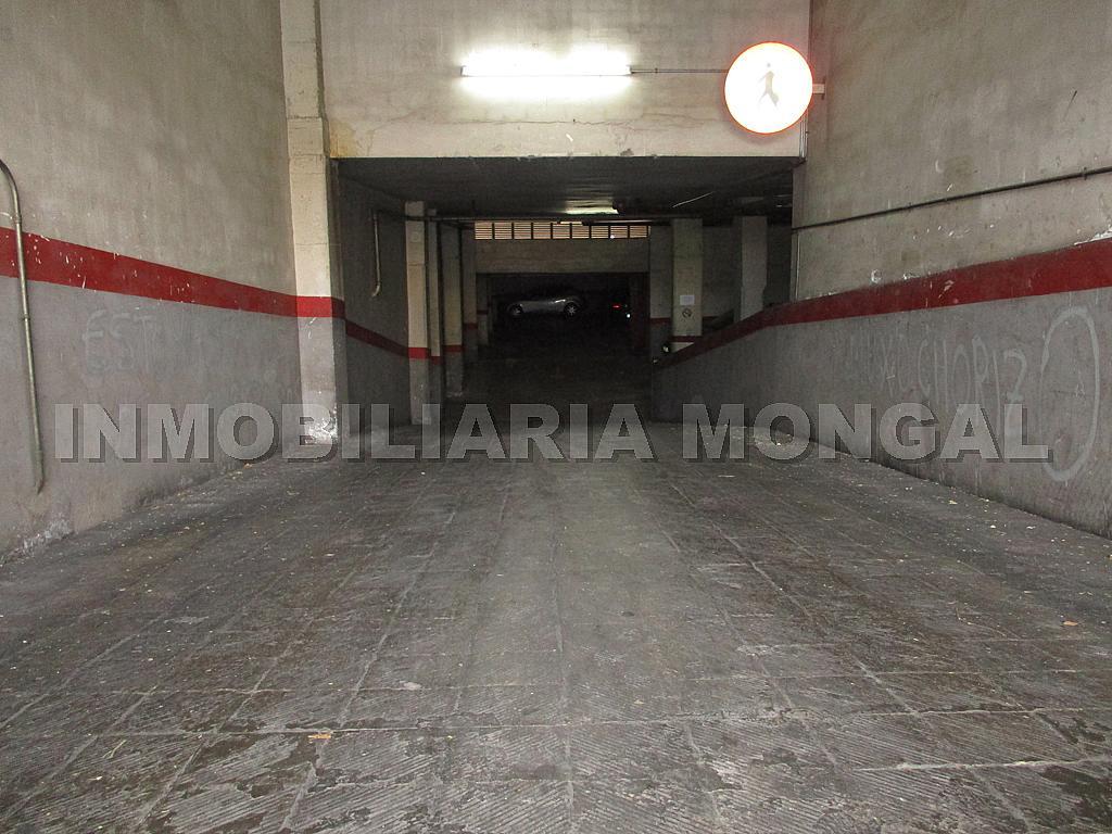 Parking en alquiler en calle Eusebi Güell, Centre en Sant Boi de Llobregat - 328501206