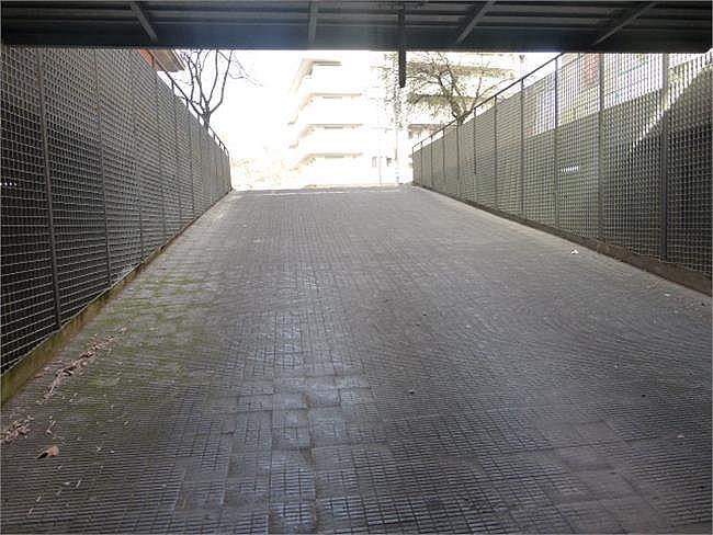 Parking en alquiler en calle Lluis Pericot, Girona - 383464262