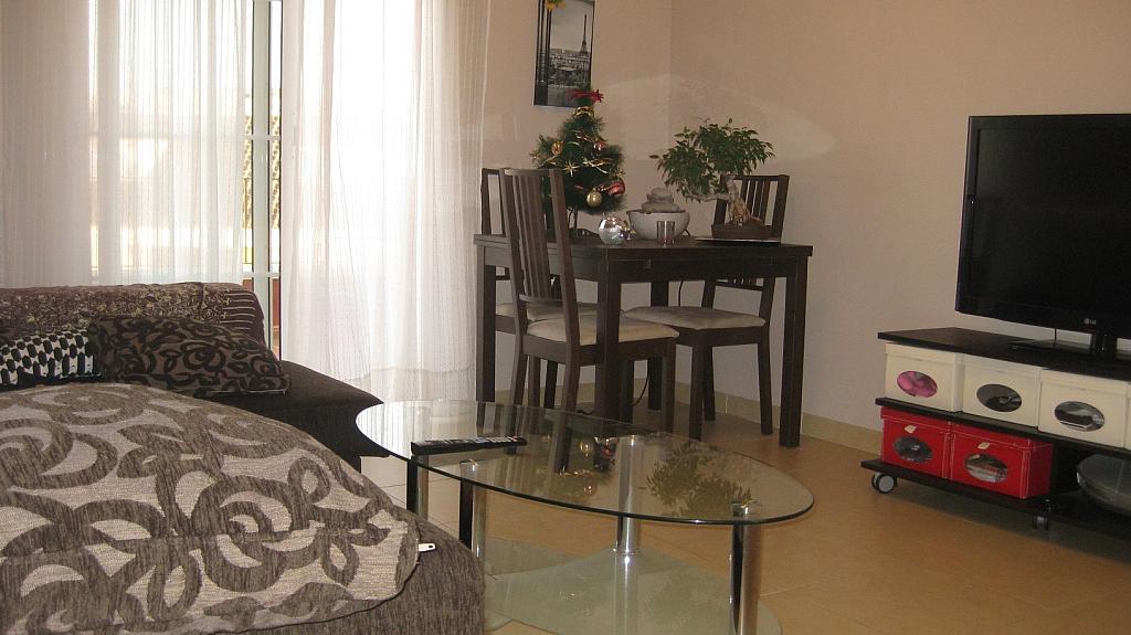 Salón - Ático en alquiler de temporada en calle Tomillar, Torre del mar - 299249728