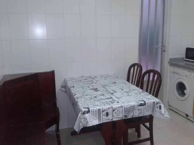 Apartamento en alquiler de temporada en calle Vitigudino, San Bernardo en Salamanca - 122917289