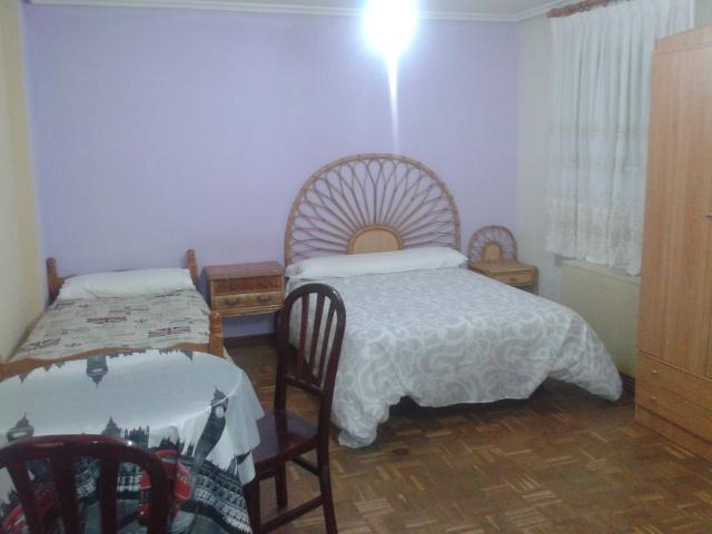 Apartamento en alquiler de temporada en calle Vitigudino, San Bernardo en Salamanca - 122917293