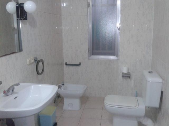 Apartamento en alquiler de temporada en calle Vitigudino, San Bernardo en Salamanca - 122917299