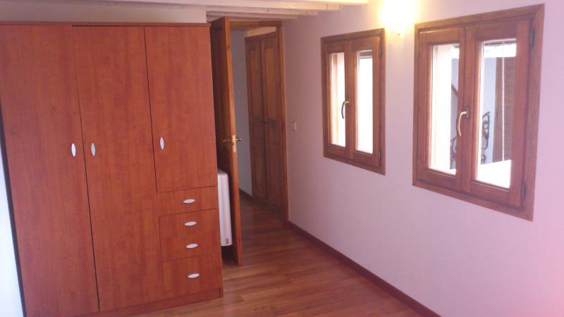 Apartamento en alquiler en calle Cuesta Escalones, Toledo - 56034133