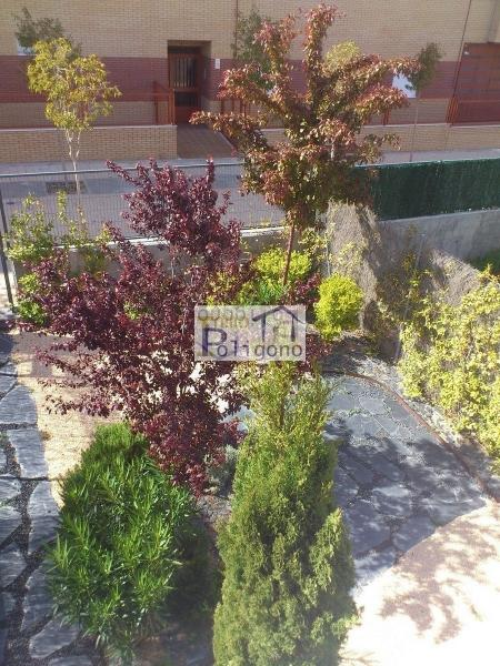 Chalet en alquiler en calle Via Tarpeya, Santa María de Benquerencia en Toledo - 105874198