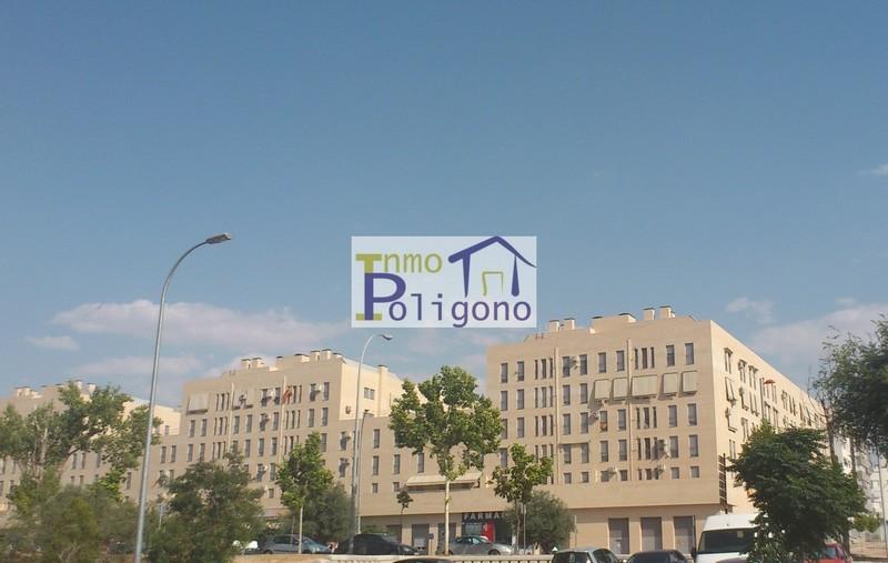 Local en alquiler en calle Avda Boladiez a Local Izda, Polígono en Toledo - 123325377