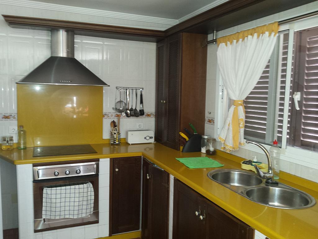 Casa en alquiler en carretera De Arenas, Carretera de Arenas en Vélez-Málaga - 211410098