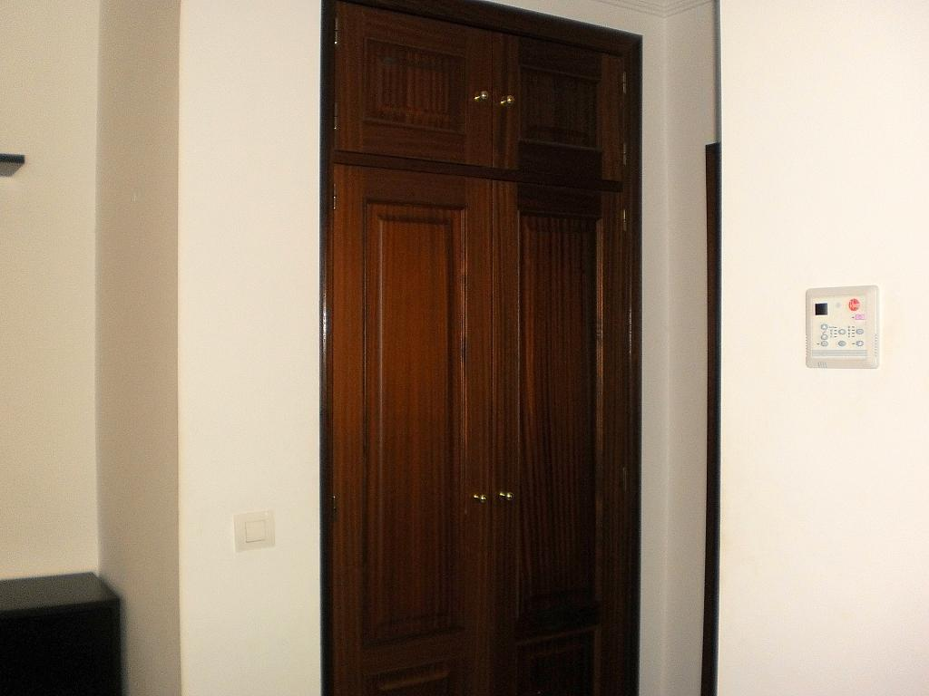 Dormitorio - Apartamento en alquiler en calle Alfareria, Triana Casco Antiguo en Sevilla - 248352046