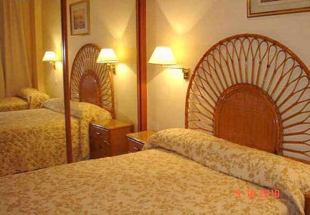 Dormitorio - Apartamento en alquiler en calle Alcalde Luis Uruñuela, Entrepuentes en Sevilla - 249929895