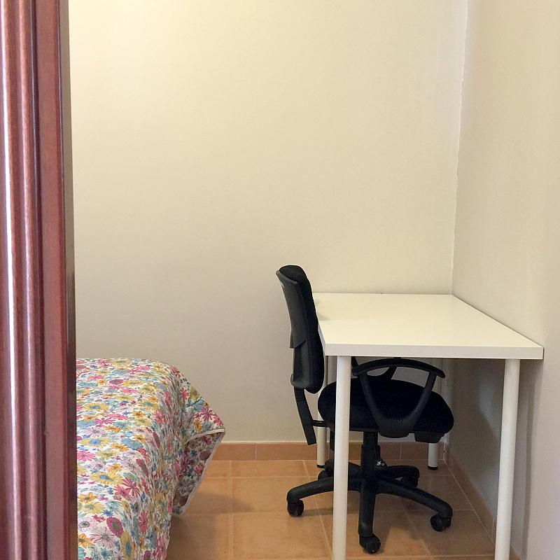 Dormitorio - Piso en alquiler en calle San Jacinto, Triana Casco Antiguo en Sevilla - 262445793