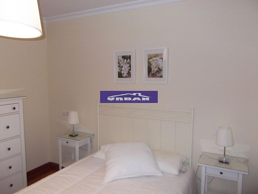 Dormitorio - Piso en alquiler en calle Ramon y Cajal, Nervión en Sevilla - 264777087
