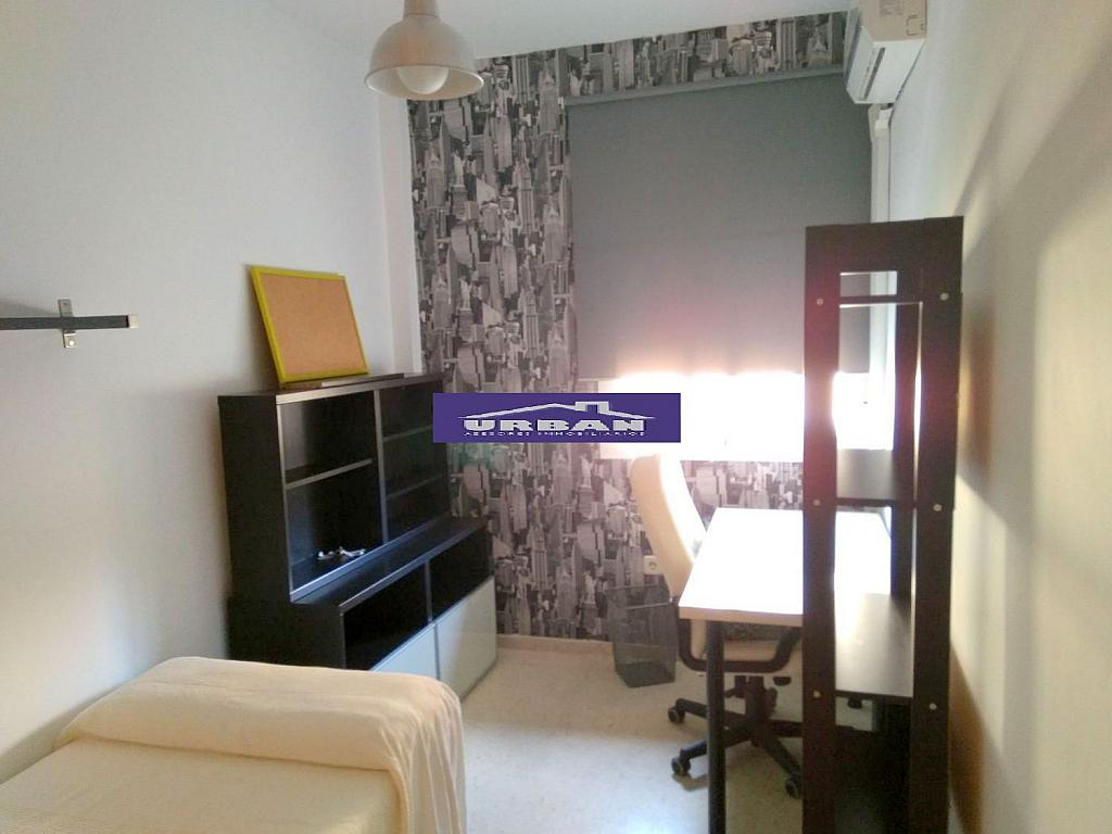 Dormitorio - Piso en alquiler en calle Marques de Nervion, Nervión en Sevilla - 269055613