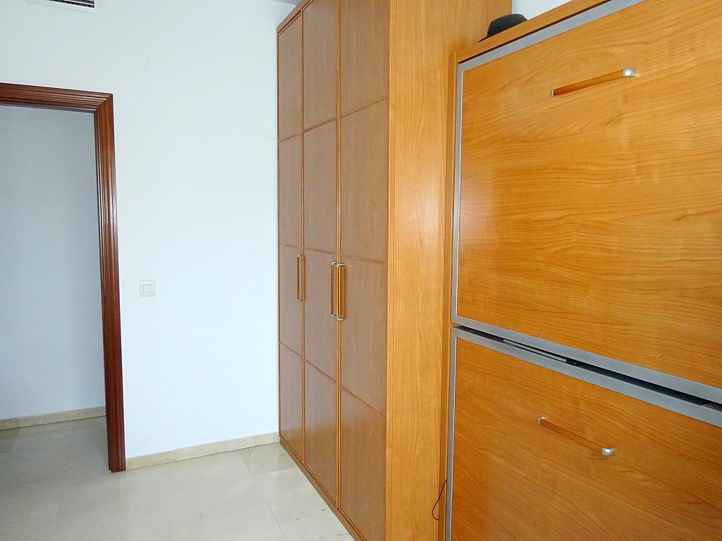 Piso en alquiler en calle Almendralejo, Av. Ciencias-Emilio Lemos en Sevilla - 277054437