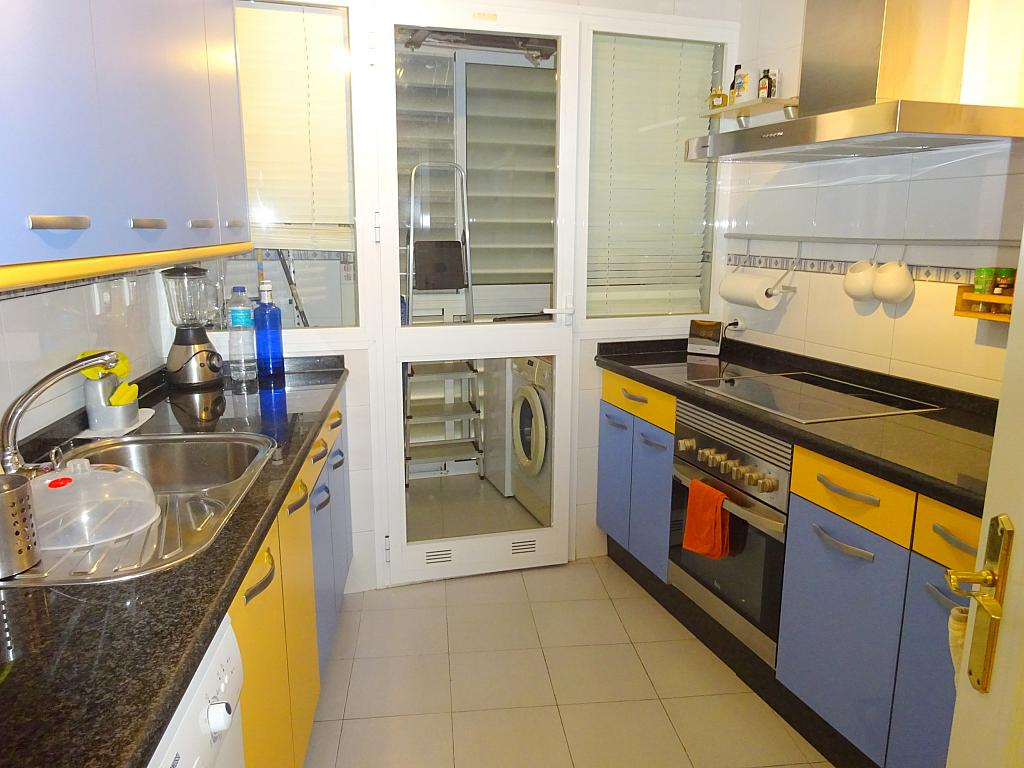 Cocina - Piso en alquiler en calle Emilio Lemos, Av. Ciencias-Emilio Lemos en Sevilla - 277587999