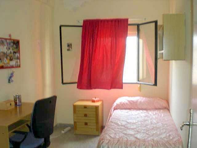 Dormitorio - Piso en alquiler en calle Luis Montoto, Nervión en Sevilla - 297550367