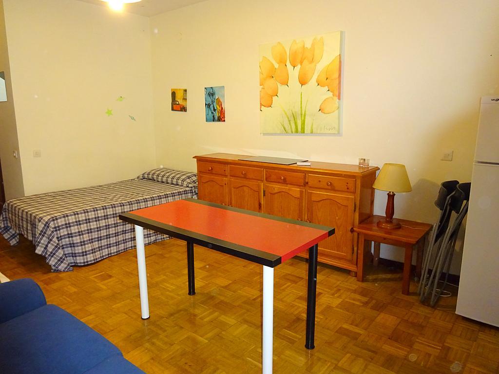 Dormitorio - Estudio en alquiler en calle Pages del Corro, Triana Casco Antiguo en Sevilla - 310873347