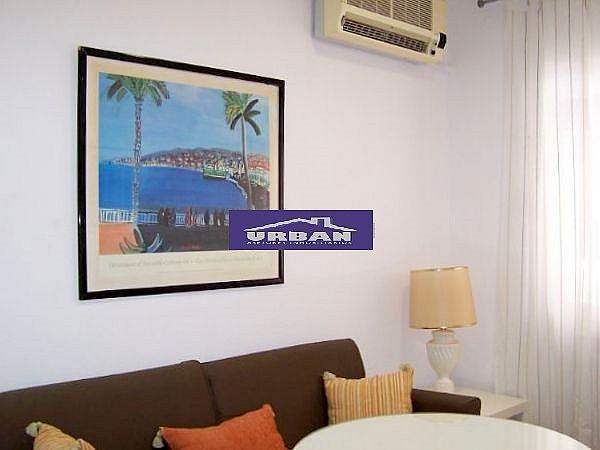 Salón - Apartamento en alquiler en calle Montecarmelo, Los Remedios en Sevilla - 343460746