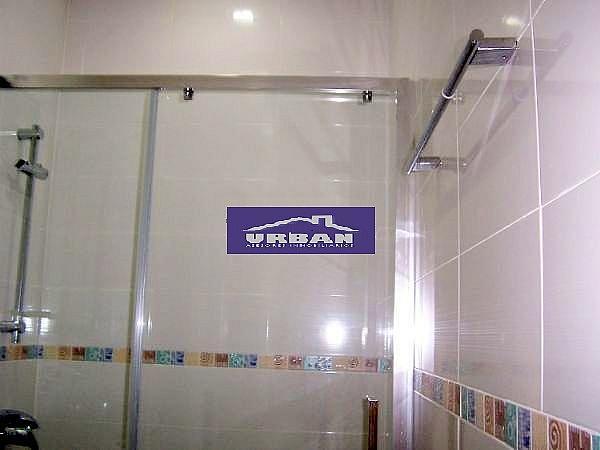 Baño - Apartamento en alquiler en calle Montecarmelo, Los Remedios en Sevilla - 343460749