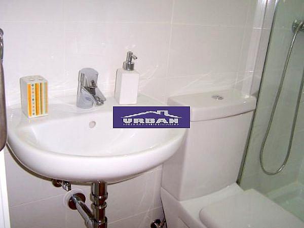 Baño - Apartamento en alquiler en calle Montecarmelo, Los Remedios en Sevilla - 343460750