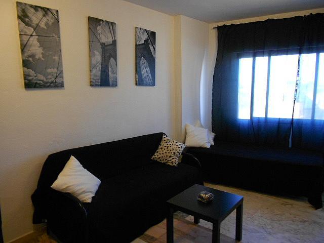 Salón - Estudio en alquiler en calle Alcalde Luis Uruñuela, Entrepuentes en Sevilla - 346940821