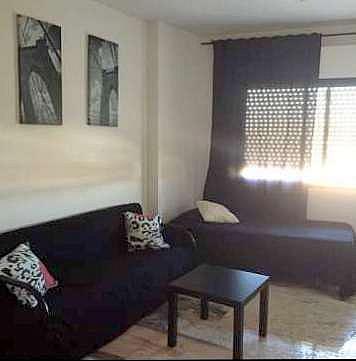 Salón - Estudio en alquiler en calle Alcalde Luis Uruñuela, Entrepuentes en Sevilla - 346940825