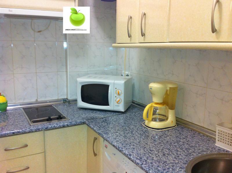 Apartamento en alquiler en calle Alcalde Luis Uruñuela, Este - Alcosa - Torreblanca en Sevilla - 112916153