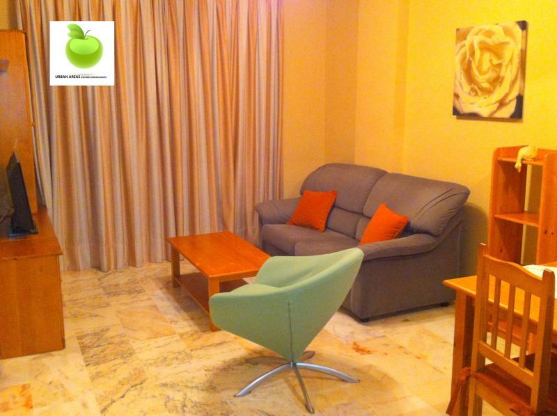 Apartamento en alquiler en calle Alcalde Luis Uruñuela, Este - Alcosa - Torreblanca en Sevilla - 112916174