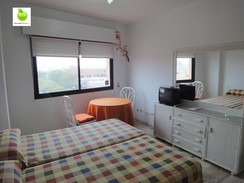 Estudio en alquiler en calle Alcalde Luis Uruñuela, Av. Ciencias-Emilio Lemos en Sevilla - 112923415