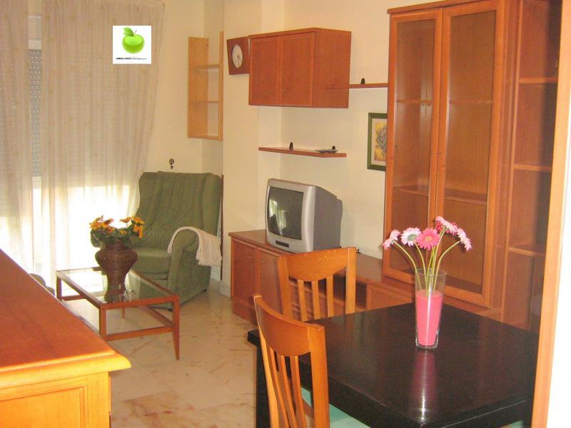 Apartamento en alquiler en calle Alcalde Luis Uruñuela, Este - Alcosa - Torreblanca en Sevilla - 113088364