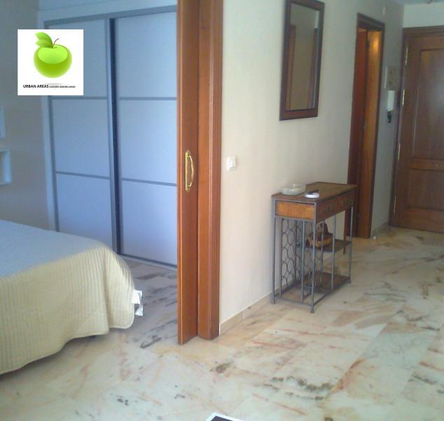 Apartamento en alquiler en calle Alcalde Luis Uruñuela, Este - Alcosa - Torreblanca en Sevilla - 114345319