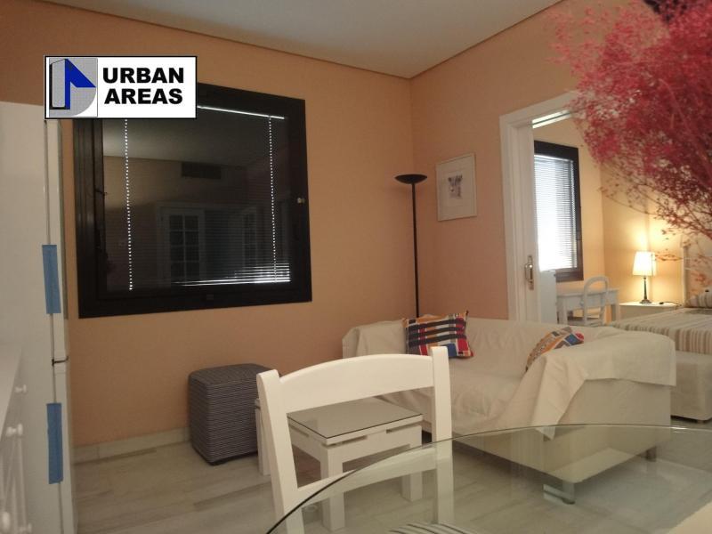 Piso en alquiler en calle Innovación, Este - Alcosa - Torreblanca en Sevilla - 116296505