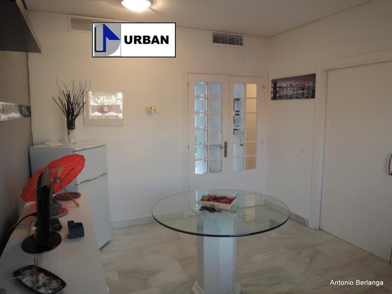 Apartamento en alquiler en calle Alcalde Luis Uruñuela, Este - Alcosa - Torreblanca en Sevilla - 116625752