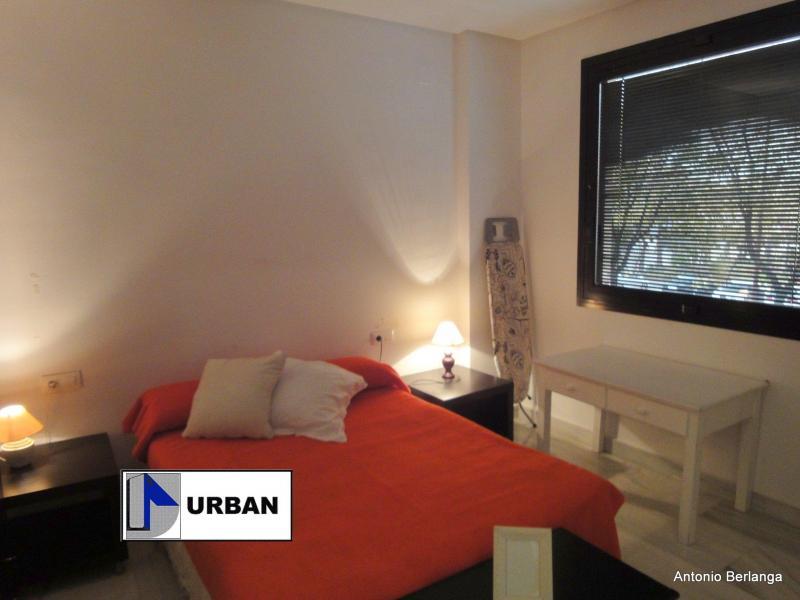 Apartamento en alquiler en calle Alcalde Luis Uruñuela, Este - Alcosa - Torreblanca en Sevilla - 116625754