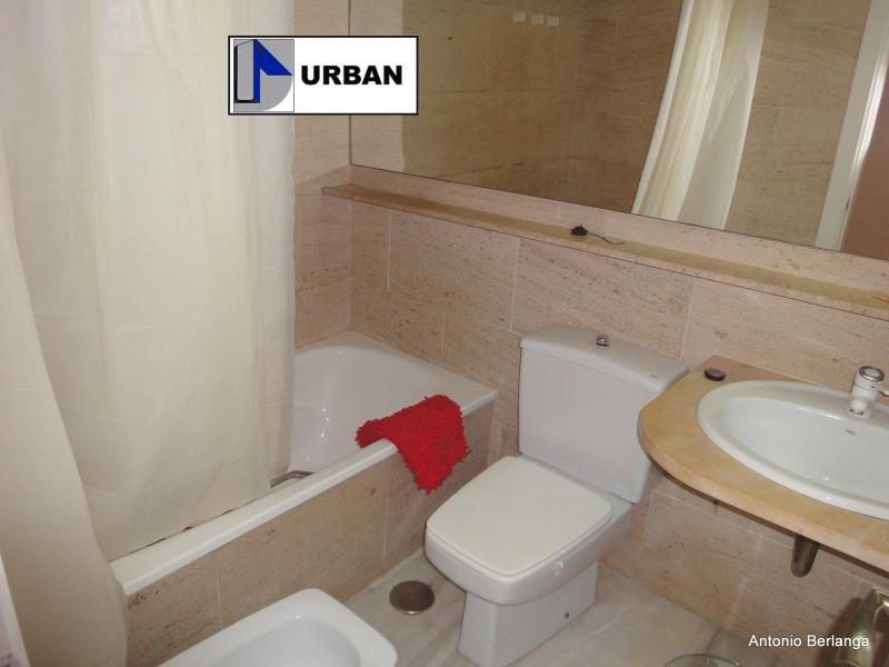 Apartamento en alquiler en calle Alcalde Luis Uruñuela, Este - Alcosa - Torreblanca en Sevilla - 116625755