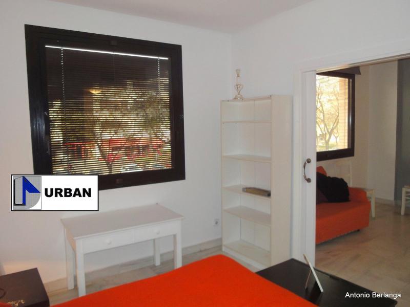 Apartamento en alquiler en calle Alcalde Luis Uruñuela, Este - Alcosa - Torreblanca en Sevilla - 116625757