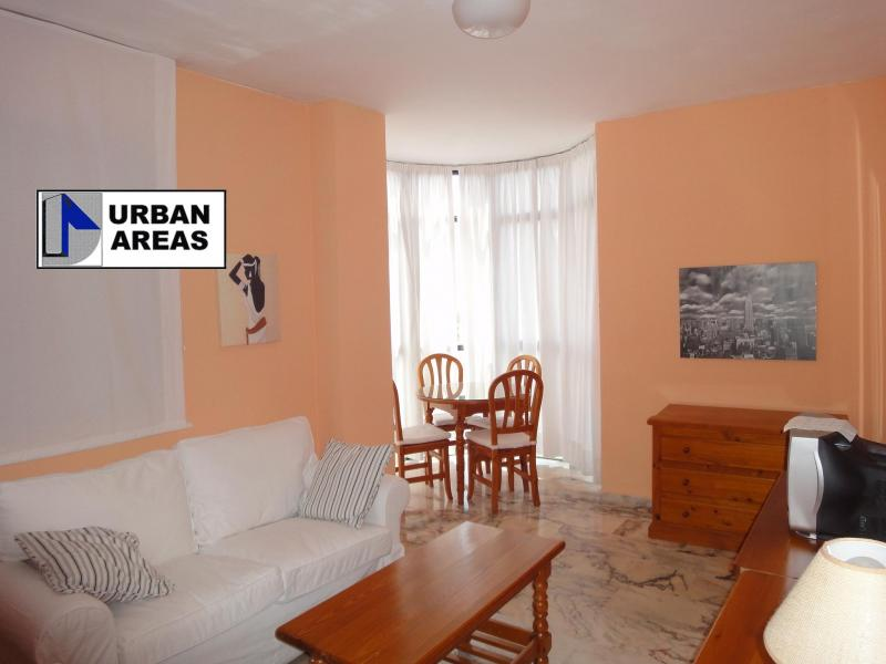 Apartamento en alquiler en calle Alcalde Luis Uruñuela, Este - Alcosa - Torreblanca en Sevilla - 117070300