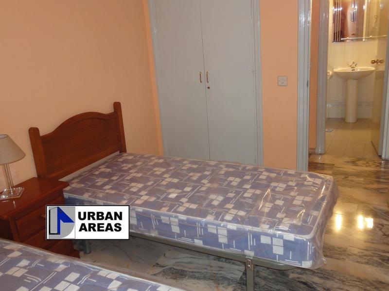 Apartamento en alquiler en calle Alcalde Luis Uruñuela, Este - Alcosa - Torreblanca en Sevilla - 117070318