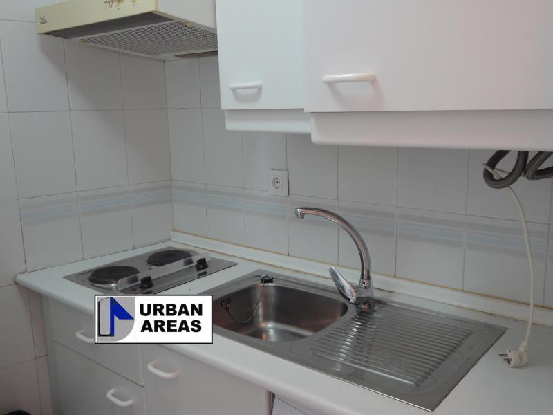 Apartamento en alquiler en calle Alcalde Luis Uruñuela, Este - Alcosa - Torreblanca en Sevilla - 117070327