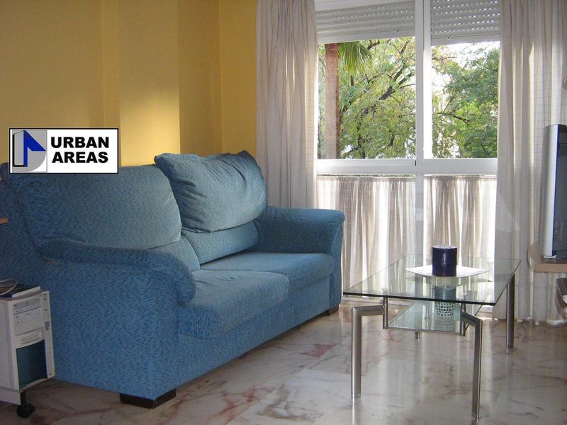 Apartamento en alquiler en calle Alcalde Luis Uruñuela, Este - Alcosa - Torreblanca en Sevilla - 119097367