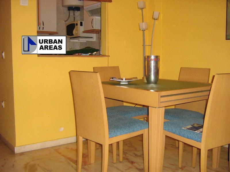Apartamento en alquiler en calle Alcalde Luis Uruñuela, Este - Alcosa - Torreblanca en Sevilla - 119097373