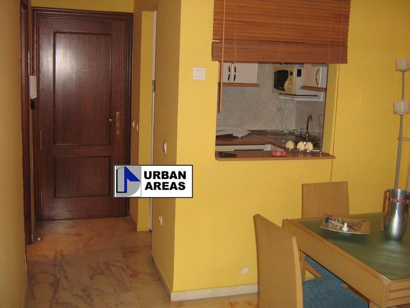 Apartamento en alquiler en calle Alcalde Luis Uruñuela, Este - Alcosa - Torreblanca en Sevilla - 119097376