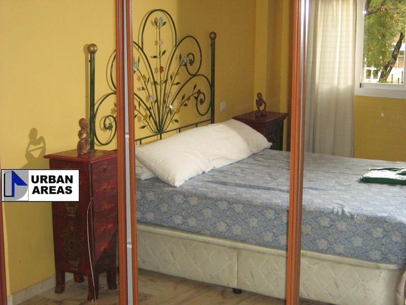 Apartamento en alquiler en calle Alcalde Luis Uruñuela, Este - Alcosa - Torreblanca en Sevilla - 119097387