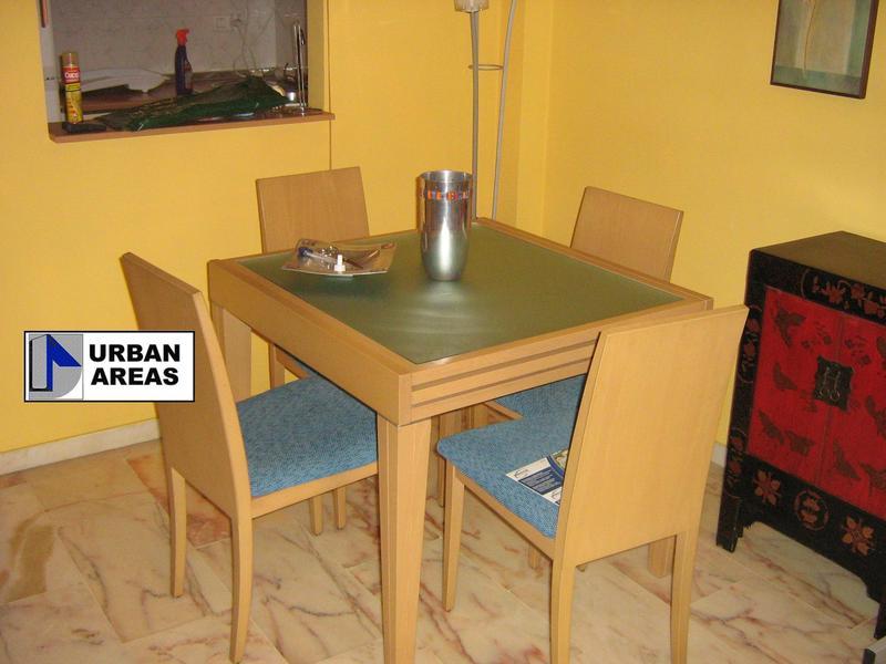 Apartamento en alquiler en calle Alcalde Luis Uruñuela, Este - Alcosa - Torreblanca en Sevilla - 118755963