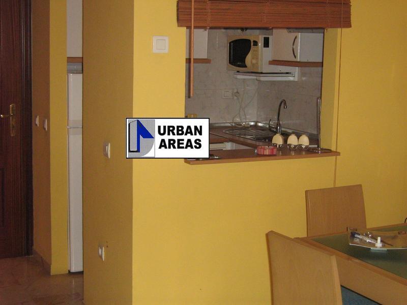 Apartamento en alquiler en calle Alcalde Luis Uruñuela, Este - Alcosa - Torreblanca en Sevilla - 118755975